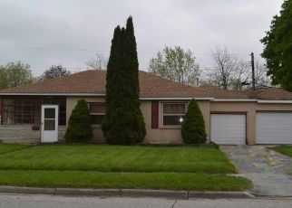 Pre Foreclosure in Highland 46322 81ST ST - Property ID: 1523345101