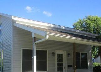 Pre Foreclosure in Eldorado 62930 JACKSON ST - Property ID: 1523648179