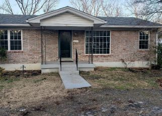 Pre Foreclosure in Louisville 40219 BILLIE LN - Property ID: 1523775647