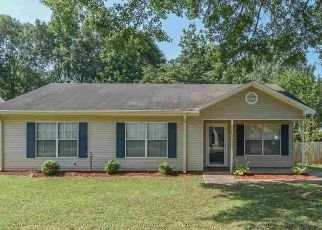 Pre Foreclosure in Bessemer 35020 GRAY OAKS DR - Property ID: 1523862352