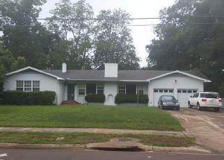 Pre Foreclosure in Jacksonville 32207 HENDRICKS AVE - Property ID: 1523945573