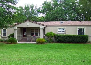 Pre Foreclosure in Jacksonville 32221 CRYSTALWOOD LN - Property ID: 1523950390