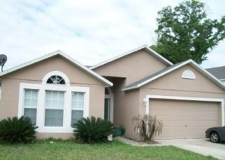 Pre Foreclosure in Jacksonville 32208 THORN GLEN RD - Property ID: 1523951260