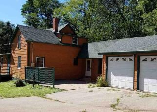 Pre Foreclosure in Dubuque 52001 ROOSEVELT ST - Property ID: 1523981940