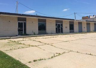 Pre Foreclosure in Cedar Rapids 52402 N TOWNE LN NE - Property ID: 1523990237