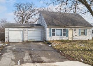 Pre Foreclosure in Valparaiso 46385 GOVERNOR RD - Property ID: 1524033606