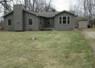 Pre Foreclosure in Chesterton 46304 W 1050 N - Property ID: 1524036227