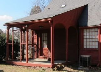 Pre Foreclosure in Springfield 01119 PLUMTREE RD - Property ID: 1524646326