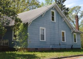 Pre Foreclosure in Greensboro 27403 ENGLEWOOD ST - Property ID: 1524677872