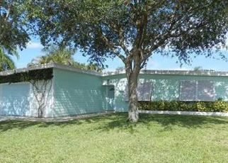 Pre Foreclosure in West Palm Beach 33411 HIBISCUS DR - Property ID: 1524932773