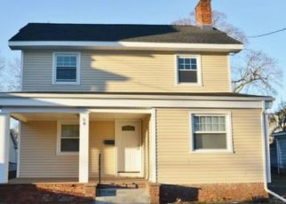 Pre Foreclosure in Bridgeport 06606 ROCTON AVE - Property ID: 1525034822