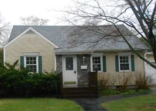 Pre Foreclosure in Bridgeport 06610 PILGRIM RD - Property ID: 1525044450
