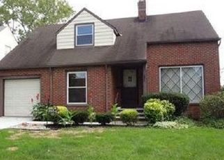 Pre Foreclosure in Cleveland 44118 COLONY RD - Property ID: 1525375558