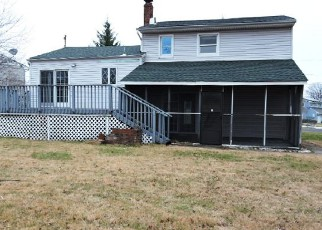 Pre Foreclosure in Carteret 07008 TENNYSON ST - Property ID: 1525634401