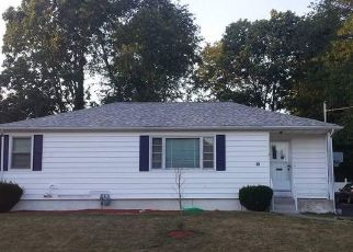 Pre Foreclosure in Somerset 02726 CHARLROD AVE - Property ID: 1526102147