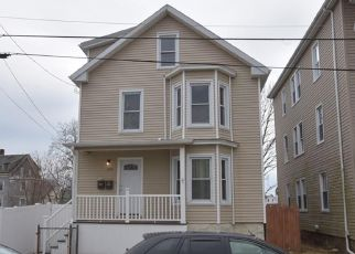 Pre Foreclosure in New Bedford 02740 MAXFIELD ST - Property ID: 1526105212