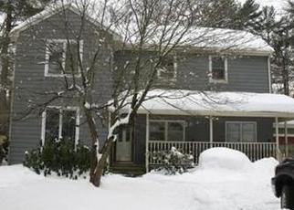 Pre Foreclosure in Attleboro 02703 TOWNHOUSE RD - Property ID: 1526113998