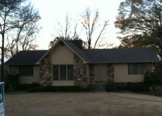 Pre Foreclosure in Sheffield 35660 HIGHLAND PL - Property ID: 1526639552