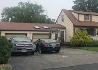 Pre Foreclosure in Sewaren 07077 E SUMMIT AVE - Property ID: 1526771382
