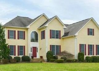 Pre Foreclosure in Leesburg 20176 GREEN MEADOW LN - Property ID: 1526937819