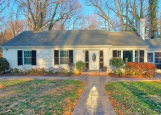 Pre Foreclosure in Lynchburg 24503 WOODSIDE AVE - Property ID: 1526939569