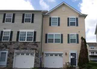Pre Foreclosure in Hanover 17331 BLOSSOM DR - Property ID: 1527127453