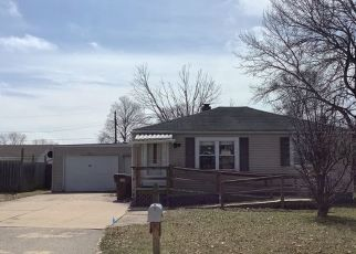 Pre Foreclosure in Machesney Park 61115 PHOENIX RD - Property ID: 1527185711
