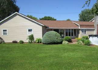 Pre Foreclosure in Rouses Point 12979 COLUMBUS DR - Property ID: 1527897410