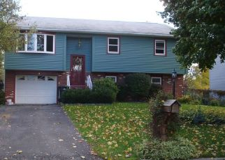 Pre Foreclosure in Cohoes 12047 TANGUAY DR - Property ID: 1527912749