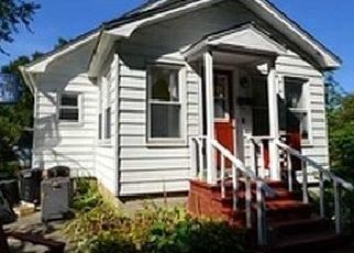 Pre Foreclosure in Pittsfield 04967 HARTLAND AVE - Property ID: 1527926761