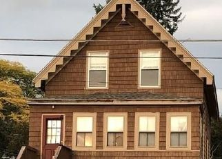 Pre Foreclosure in Medford 02155 WINTHROP ST - Property ID: 1527942528