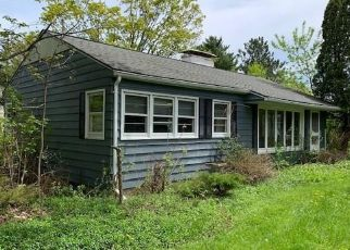 Pre Foreclosure in Syracuse 13215 BROAD RD - Property ID: 1528009531
