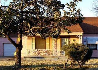 Pre Foreclosure in Tulsa 74107 W 40TH ST - Property ID: 1528106767