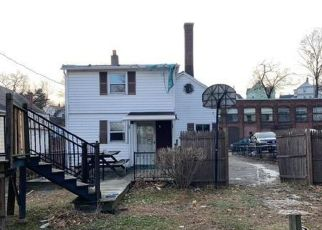 Pre Foreclosure in Holyoke 01040 HAMPDEN ST - Property ID: 1528128215