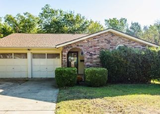 Pre Foreclosure in Fort Worth 76112 LOUIS ST - Property ID: 1528795252