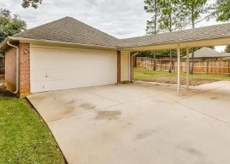 Pre Foreclosure in Mansfield 76063 ESSEX DR - Property ID: 1528806199