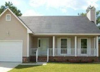 Pre Foreclosure in Fayetteville 28304 PEPPERBUSH DR - Property ID: 1529038328
