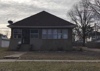 Pre Foreclosure in Taylorville 62568 W POPLAR ST - Property ID: 1529358489