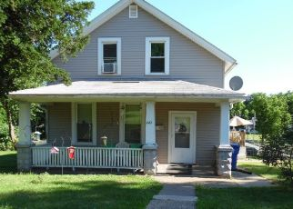 Pre Foreclosure in Davenport 52804 W 11TH ST - Property ID: 1529497779