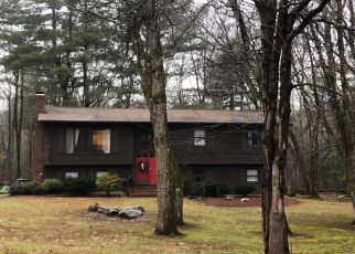 Pre Foreclosure in Smithfield 02917 CEDAR FOREST RD - Property ID: 1529566982