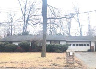 Pre Foreclosure in Oak Ridge 07438 CIRCLE DR - Property ID: 1530018972