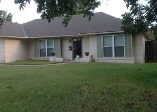 Pre Foreclosure in Oklahoma City 73132 NW 70TH ST - Property ID: 1530210347