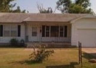 Pre Foreclosure in Cushing 74023 E 3RD ST - Property ID: 1530297509