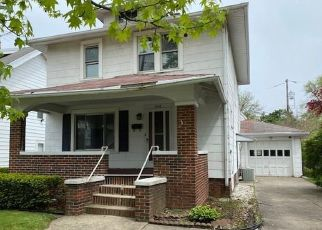 Pre Foreclosure in Toledo 43612 WAGGONER BLVD - Property ID: 1530394744