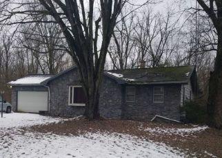 Pre Foreclosure in Bristol 46507 MARK DR - Property ID: 1530523952