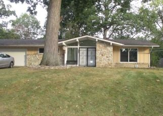 Pre Foreclosure in Fort Wayne 46815 BLUEGRASS LN - Property ID: 1530538393