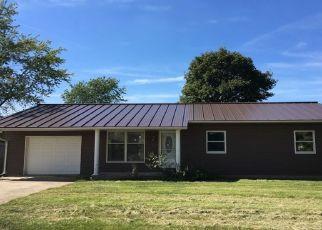 Pre Foreclosure in Winchester 47394 E CEDAR RD - Property ID: 1530558994
