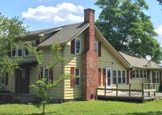 Pre Foreclosure in Newport 28570 NEWPORT LOOP RD - Property ID: 1530706576