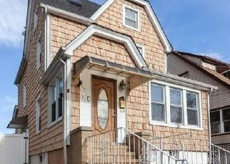 Pre Foreclosure in Flushing 11358 BAGLEY AVE - Property ID: 1530986891
