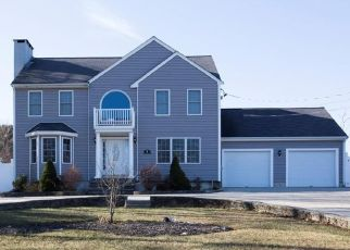 Pre Foreclosure in Westport 02790 LUCY LN - Property ID: 1532300360
